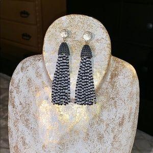 Jewelry - Black & white beads earrings
